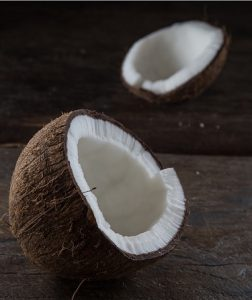 Top Uses and Benefits of Coconut Oil for Beards